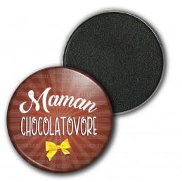 Magnet Aimant Frigo 3.8cm Maman Chocolatovore - Nœud Papillon Jaune sur Marron
