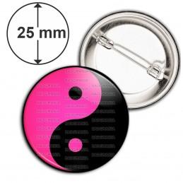 Badge 25mm Epingle Yin Yang Rose Fuschia Noir Harmonie Equilibre Feng Shui Paix Peace