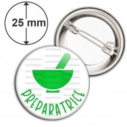 Badge 25mm Epingle Préparatrice en Pharmacie Mortier Vert Fond Blanc