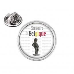 Pin's rond 2cm argenté Souvenirs de Belgique Statut Manquen Piss