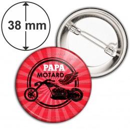 Badge 38mm Epingle Papa Motard - Moto Ailée Fond Rouge