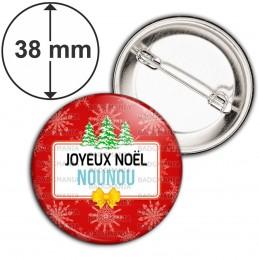 Badge 38mm Epingle Joyeux Noël Nounou - Fond rouge Sapins Flocons neige
