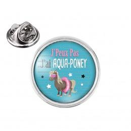 Pin's rond 2cm argenté J'Peux Pas J'ai Aqua-Poney - Poney Boué