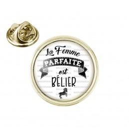 Pin's rond 2cm doré La Femme Parfaite est BELIER Signe Astrologique