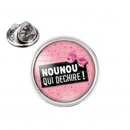 Pin's rond 2cm argenté Nounou qui déchire - Fond Rose Nœud Papillon Rose