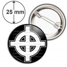 Badge 25mm Epingle Croix Celte Celtique Blanche Fond Noir France Nation Patriote Celtique