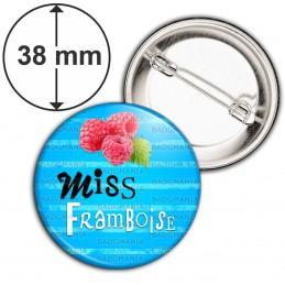 Badge 38mm Epingle Miss Framboise - Fruit framboises sur fond bleu