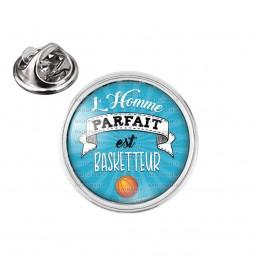Pin's rond 2cm argenté L'Homme Parfait est BASKETTEUR
