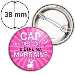 Badge 38mm Epingle Cap ou pas Cap d'être ma Marraine - Fond rose Lapin