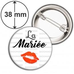 Badge 38mm Epingle La Mariée - Baiser Rouge Mariage Cérémonie