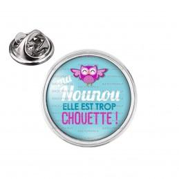 Pin's rond 2cm argenté Ma nounou elle est trop chouette ! - Chouette Rose Fond Bleu
