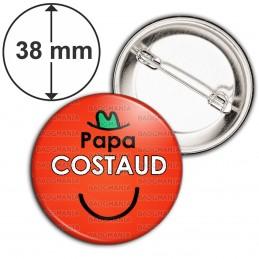 Badge 38mm Epingle Papa Costaud - Fond rouge