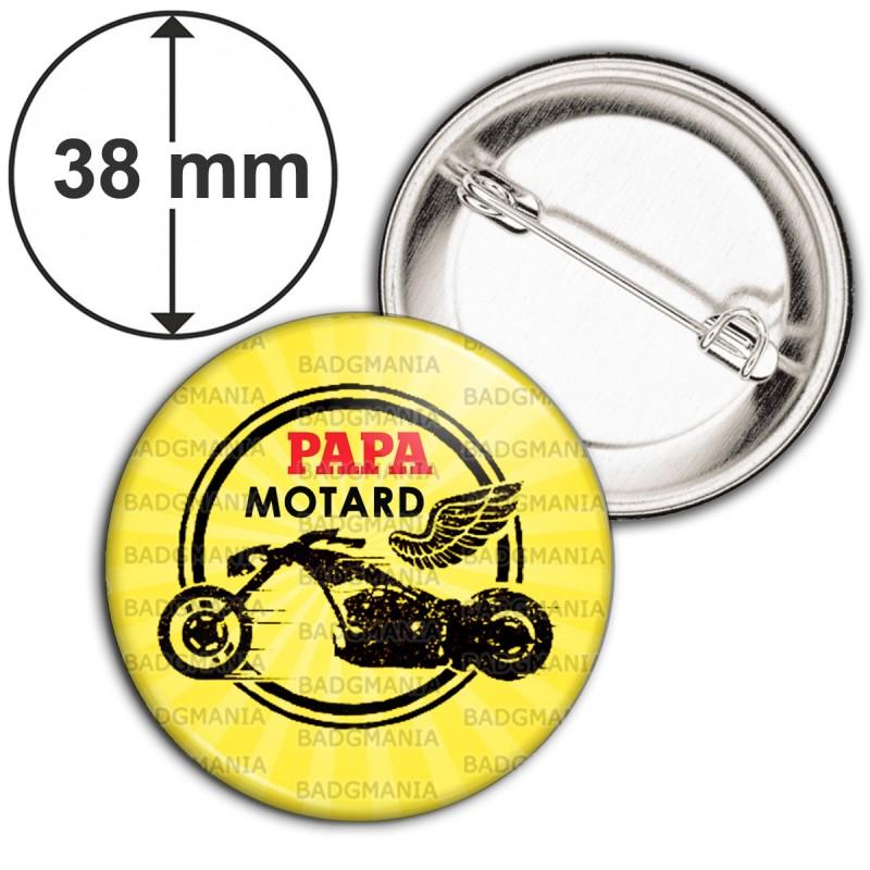 Badge 38mm Epingle Papa Motard - Moto Ailée Fond Jaune
