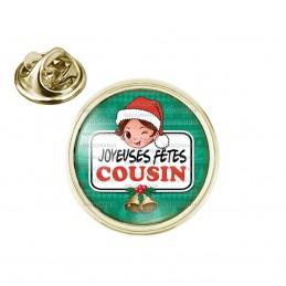 Pin's rond 2cm doré Joyeuses Fêtes COUSIN Noël Gui Cloches