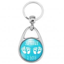 Porte Clés Métal 2 Faces Logo 3cm Jumeaux à Bord - Pieds Bébé Blancs - Fond Bleu - Annonce Grossesse Naissance