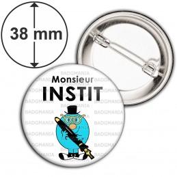 Badge 38mm Epingle Monsieur INSTIT Bleu Crayon Haut de Forme Fond Blanc