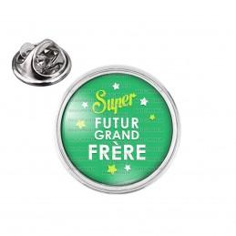 Pin's rond 2cm argenté Super Futur GRAND FRERE - Etoiles Fond Vert