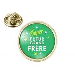 Pin's rond 2cm doré Super Futur GRAND FRERE - Etoiles Fond Vert