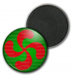 Magnet Aimant Frigo 3.8cm Croix Basque Rouge fond Vert Pays Basque Euskadi Euskara Symbole 64 Biarritz