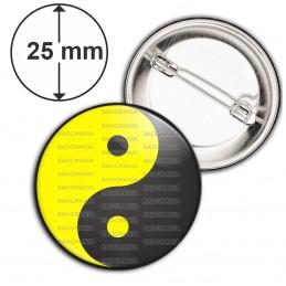Badge 25mm Epingle Yin Yang Jaune Gris Foncé Harmonie Equilibre Feng Shui Paix Peace